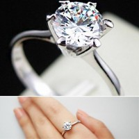Fashionable Crystal Cast Ring