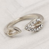 Beautiful Leaf Shaped Ring HCL216